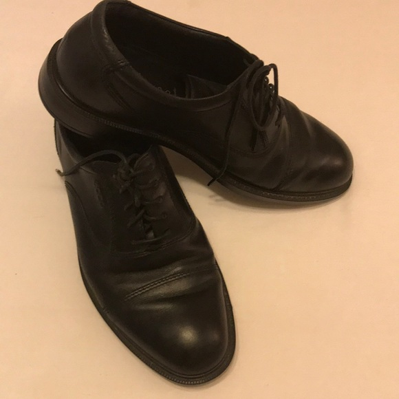 Men's lace up dress shoes